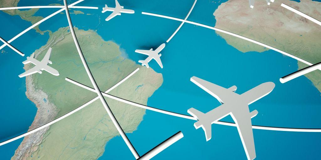 Почему самолёт  в одну сторону летит быстрее, а в другую — медленнее