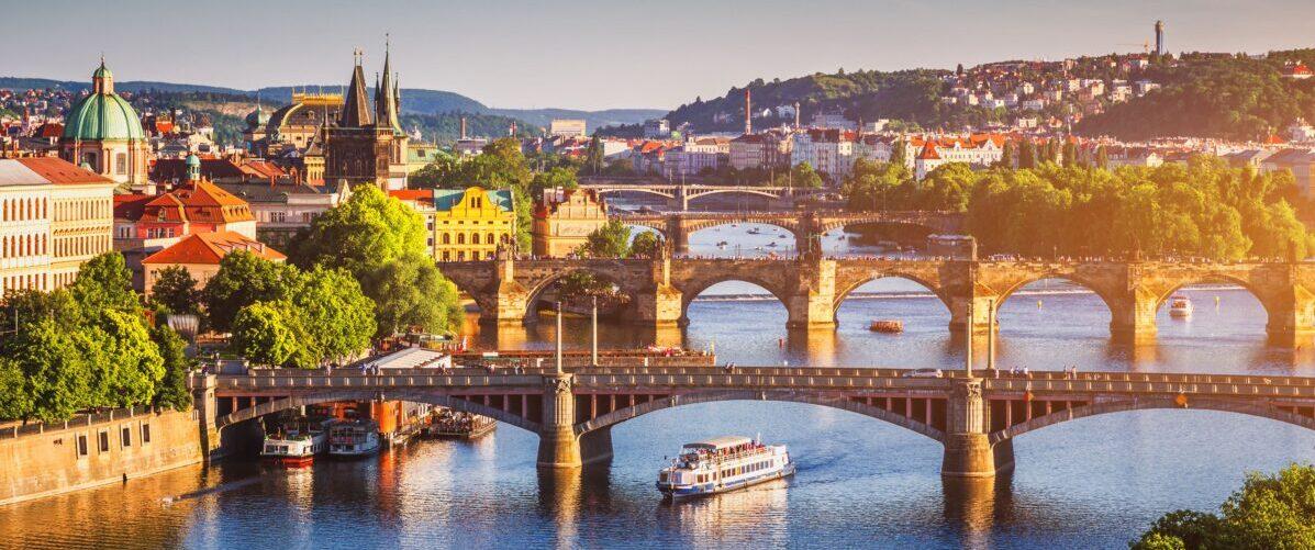 Чехія вже планує відкрити кордони для туристів