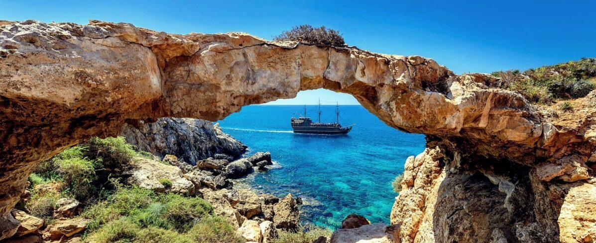 Кіпр відчиняє аеропорти з 9 червня
