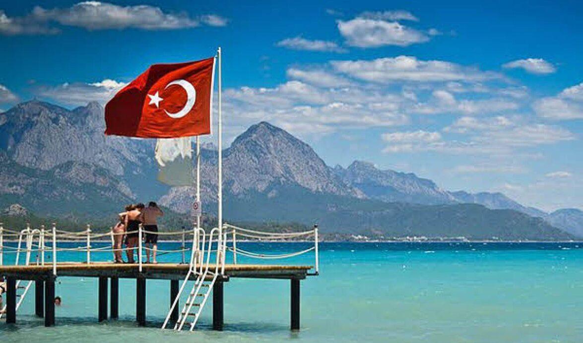 Турция планирует снимать карантин и принимать туристов