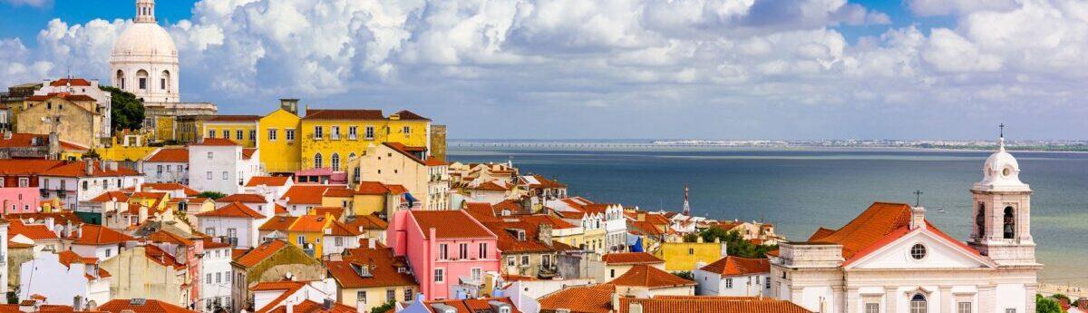 Португалия планирует запускать туристический сезон летом 2020