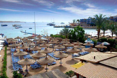 Отели Наама Бэй в Шарм-Эль-Шейхе с плавным входом в море.