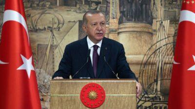 Турция начнет ослабление ограничений по COVID-19 с марта