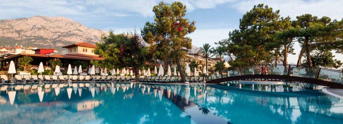 Crystal Aura Beach Resort Spa5*